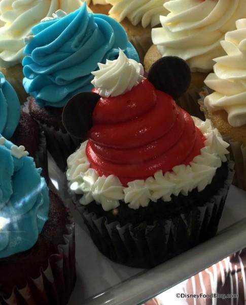Mickey Santa Cupcake