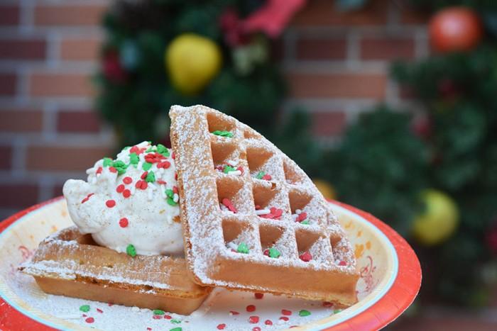 Mickey's Very Merry Christmas Party Pumpkin Spice Waffle Sundae at Sleepy Hollow Refreshments © Disney