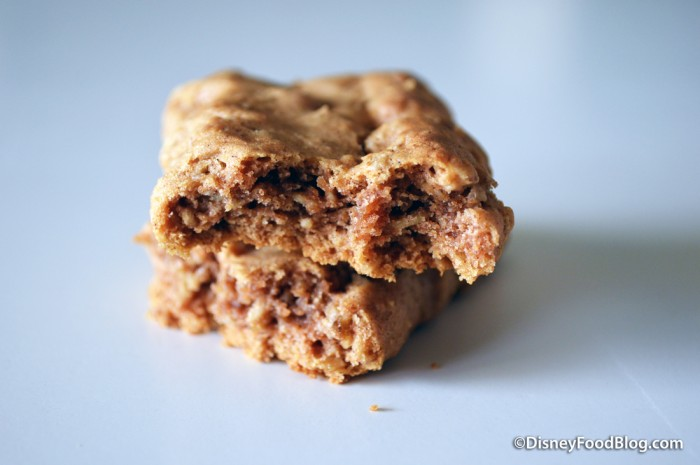 Pure Growth Organic Snacks breakfast bar cross-section