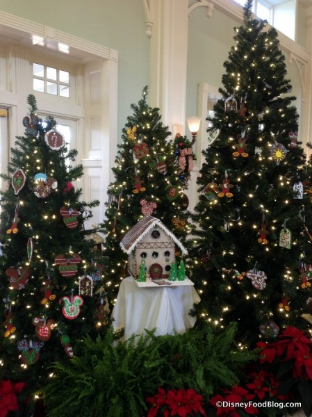 2016 Boardwalk Inn Gingerbread Display