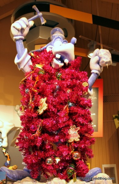 Goofy Trimmed in Tinsel!