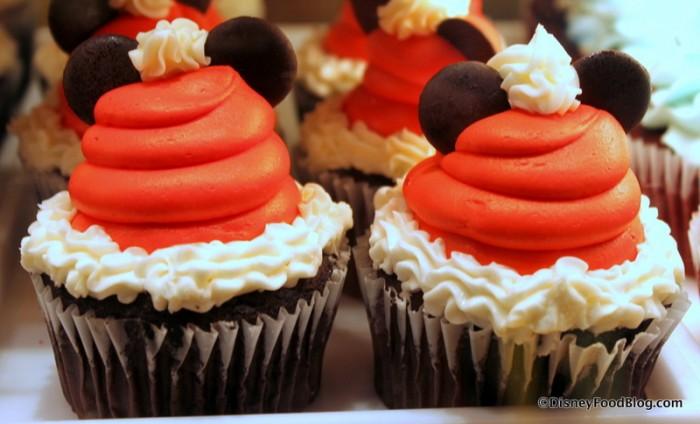 Santa Mickey Cupcakes