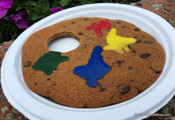 Artist Palette Jumbo Chocolate Chip Cookie