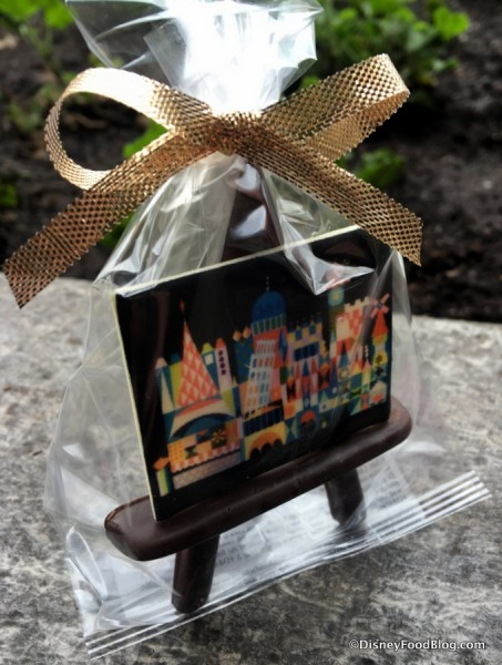 Mary Blair White Chocolate Art Painting with Chocolate Easel