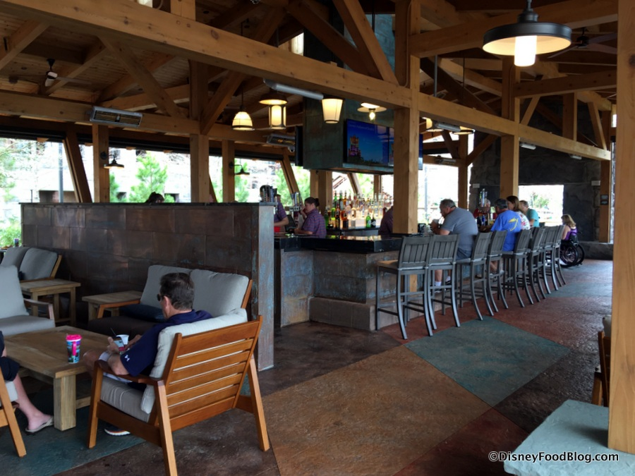 meet point bar and grill