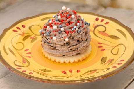 Red Rose Taverne Grey Stuff (©Disney Parks Blog)