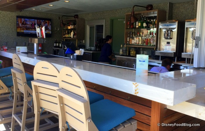 Wind and Waves Bar