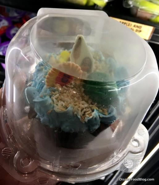 Moana Coconut Cupcake