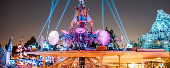 tomorrowland-skyline-lounge-experience-wide-view-5x2