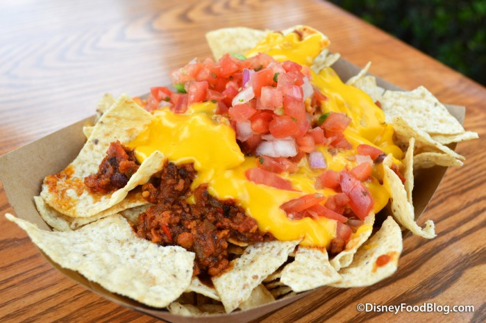 Min & Bill's Loaded Chili Cheese Nachos