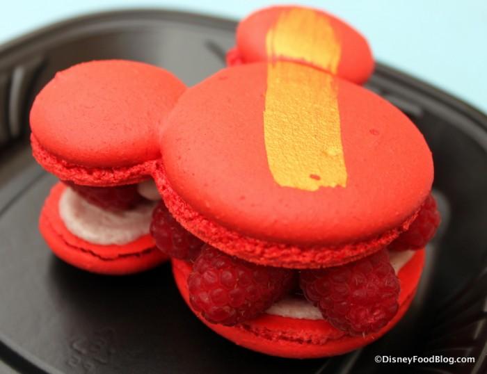 Mickey Macaron