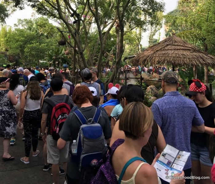 Pandora's Opening Week Lines in Animal Kingdom