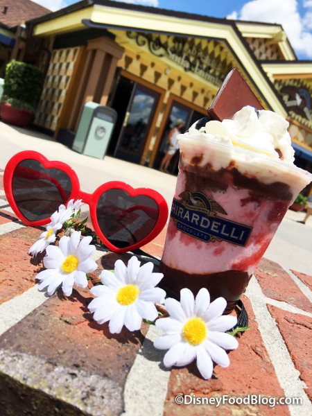 Haight-Ashberry Sundae with Accessories!