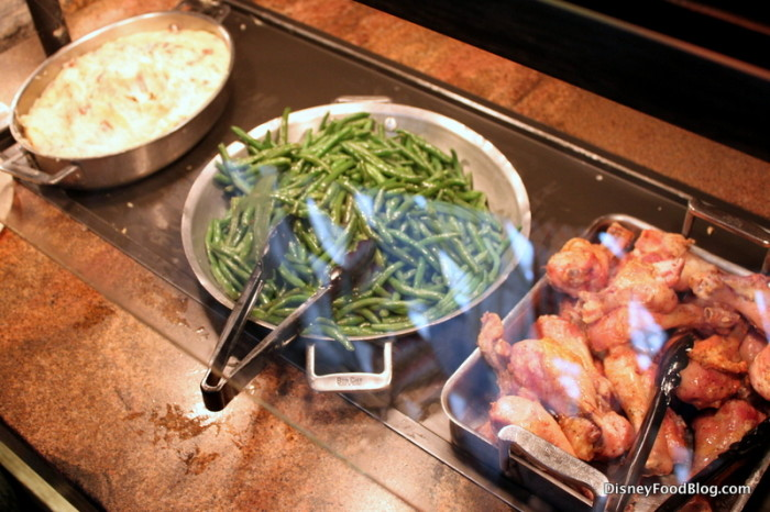 Kids Station: Mashed Potatoes, Green Beans, and Chicken