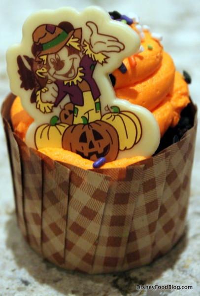Mickey fall cupcake