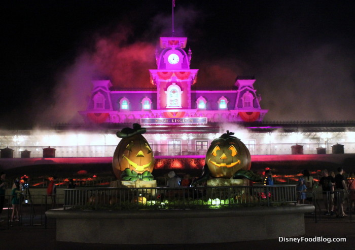 It's Mickey's Not So Scary Halloween Party!