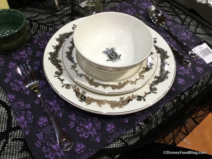 Master Gracey Crest Place Setting