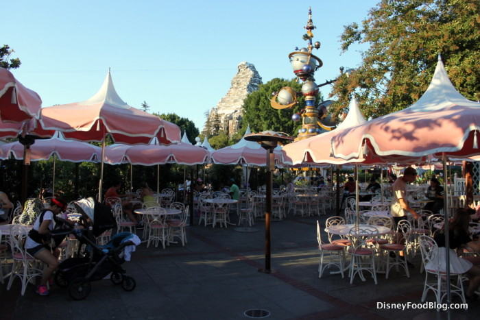 Plaza Inn Seating Area