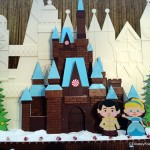 First Look! New 2017 Contemporary Resort Cinderella Castle Gingerbread Display and Treat Review