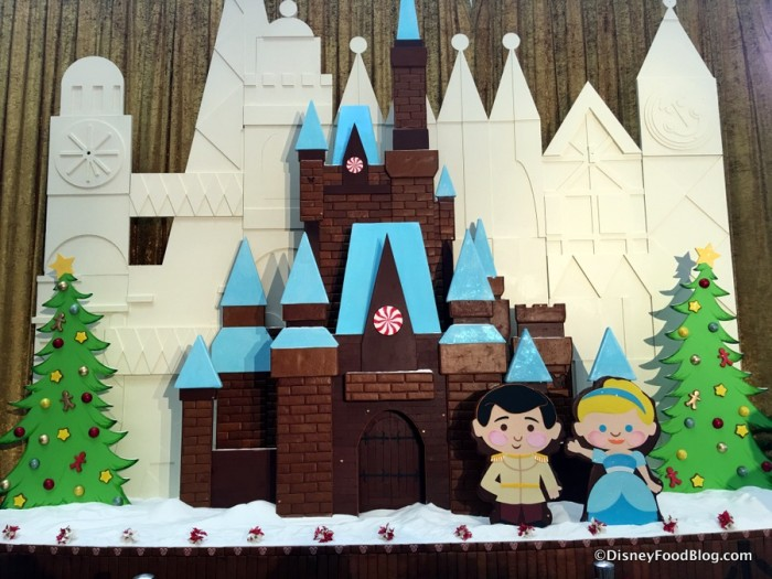 2017 Contemporary Resort Gingerbread Display