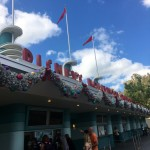 First Look: NEW Disney's Hollywood Studios Holiday Decor!!
