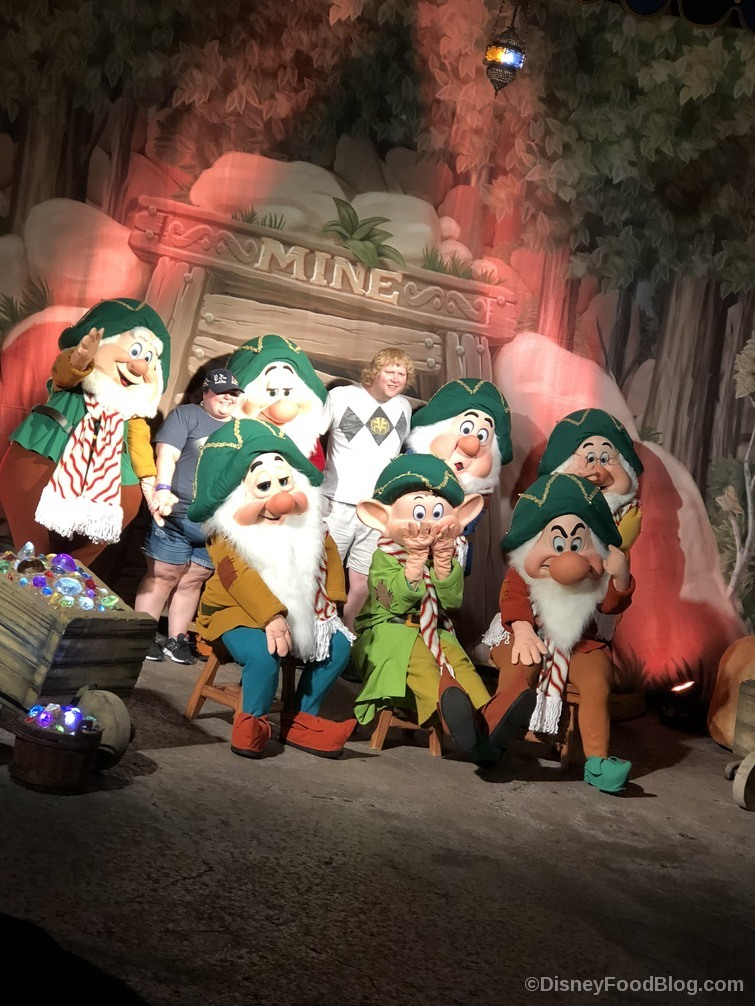 seven dwarfs meet and greet - Mickeys Christmas Party