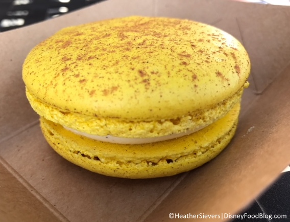 Eggnog Macaron