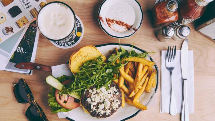 Black Tap Craft Burgers & Beer ©Disney
