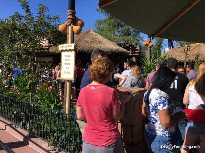Opening Day Lines at Choza de Margarita