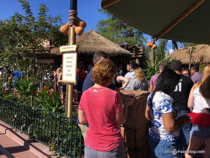Opening Day Lines at Choza de Margarita