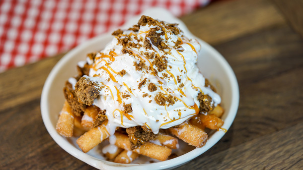 Gingerbread Funnel Cake Fries©Disney