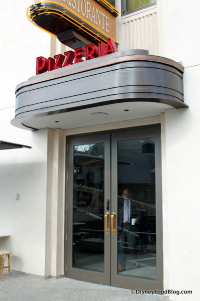 Entrance into Pizza Ponte