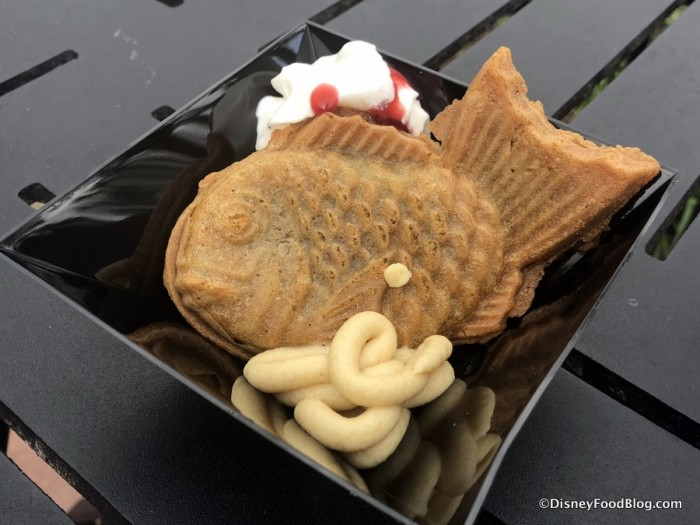 Taiyaki: Stuffed Japanese Pastry with Sesame Cream and Raspberry Sauce