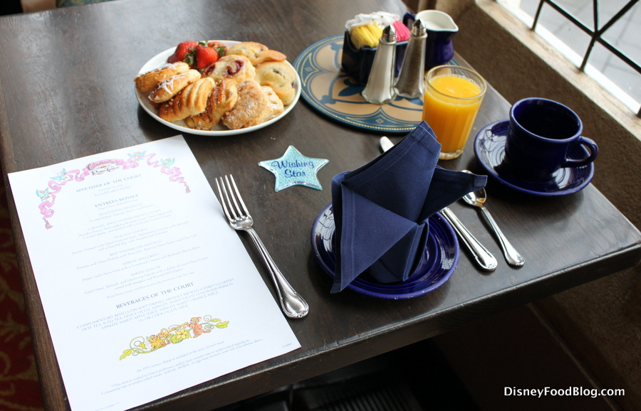 Review and Tips: Breakfast at Cinderella\'s Royal Table in Disney ...
