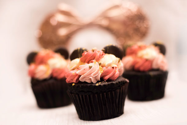 Rose Gold Chocolate Cupcakes  ©Disney