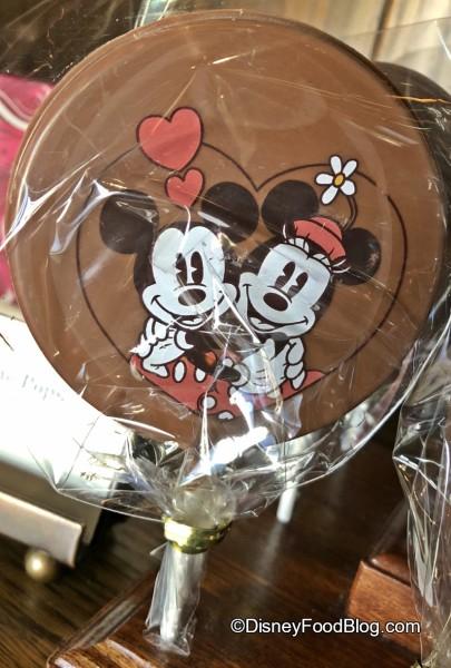 Minnie and Mickey Sweethearts Chocolate Pop!