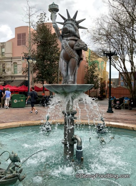 Muppets Fountain is back in action!