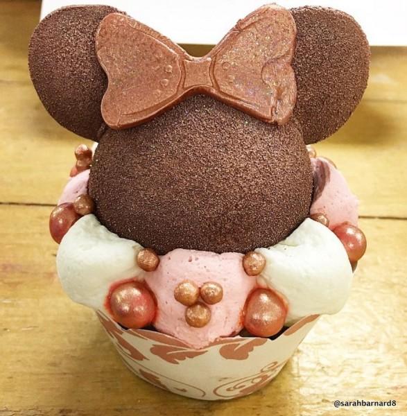 BoardWalk Bakery Rose Gold Cupcake