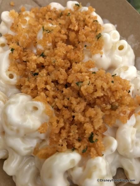 Creamy Mac & Cheese with Garlic Bread Crumble