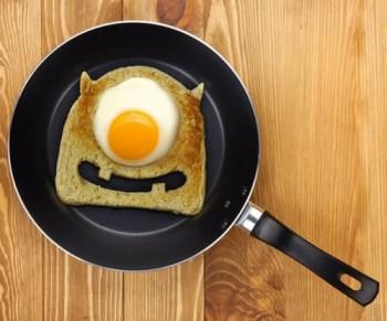 egg-monster-toast-cutter-500x416