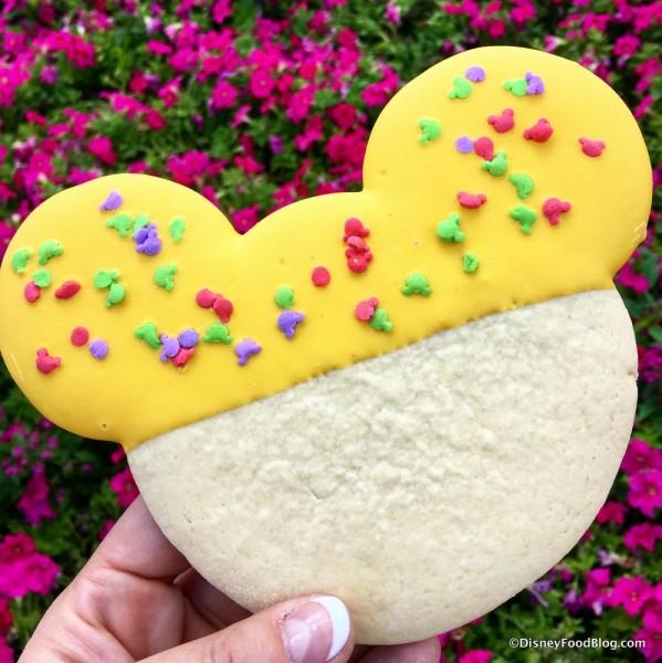 Mickey Shortbread Cookie