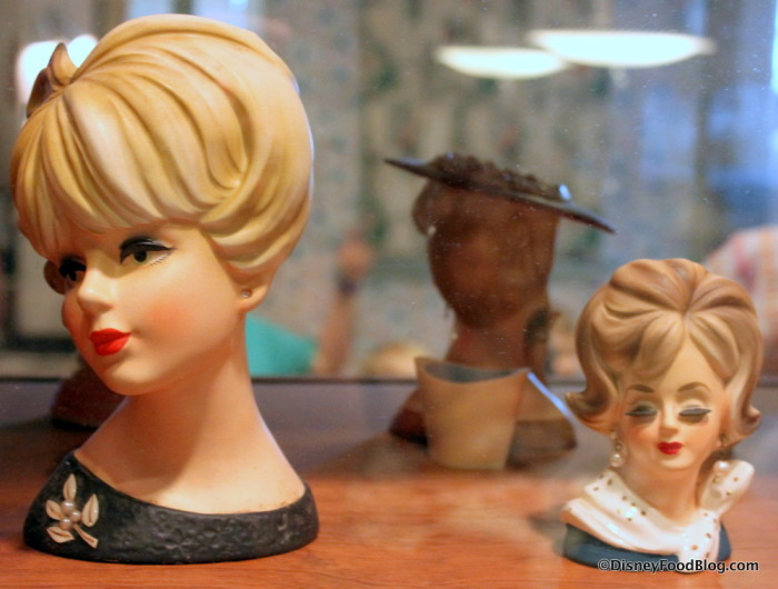 Retro busts and figurines
