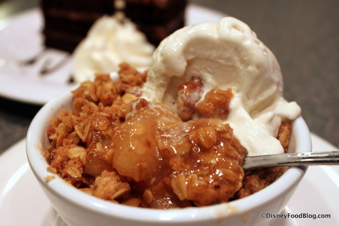 Traditional Warm Apple Crisp