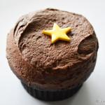 Black Velvet Anniversary Cupcakes at Disney Sprinkles Locations — SEE WHAT'S INSIDE!