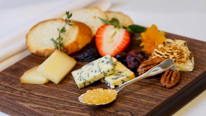 Specialty Cheese Flight ©Disney