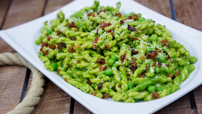 Green Pesto Pasta ©Disney