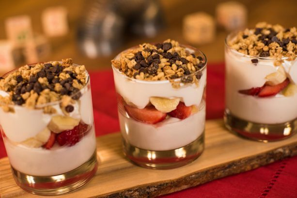 Banana Split Yogurt Parfait ©Disney