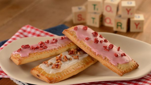 Lunch Box Tarts at Woody's Lunch Box ©Disney
