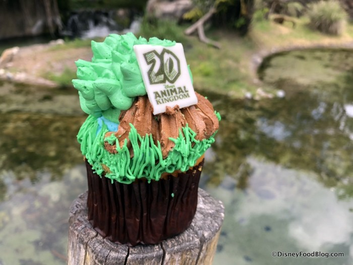 20th Anniversary Tree of Life Cupcake