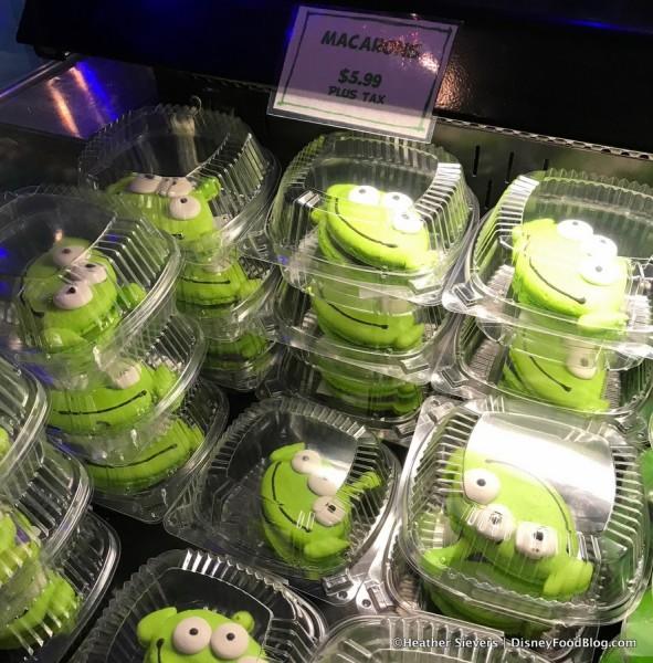 Alien Macarons